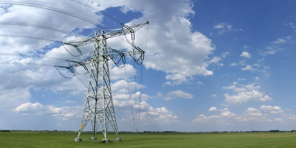 test Twitter Media - Elektriciteitsnet Friesland bereikt capaciteitsgrens @lianderNL https://t.co/cQzGeyR0jp https://t.co/zfXOfi4lJT