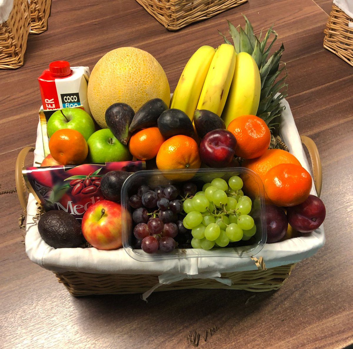 Today's Gift Basket Of The Day is .... XL Fruit Classic Gift Basket >>  RT, Like & Follow to enter #prize draw to #win a Gift Basket. More info via our blog. #dailydispatch #gifts #competition #goodluck #classic #sweet #fruity #win #prize