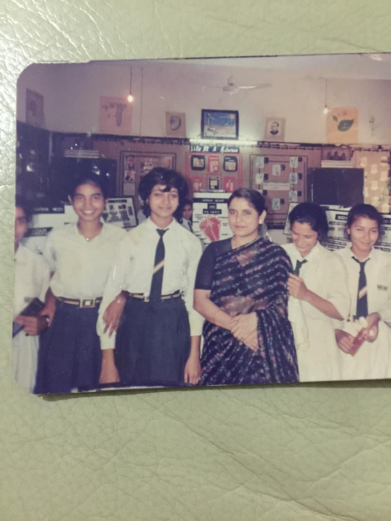 From L to R...   #JasjeetKaur #ShabnamQureshi #AlkaLamba :) #Omika #NidhiRawat #Monika( at the back)not seen in the pic #Daisy #Bhavna..   11th Class group pic with our #Maths teacher in 1992...   #Secular Class, Seclure School & #Secular Students of #India 😍👍🇮🇳🙏.