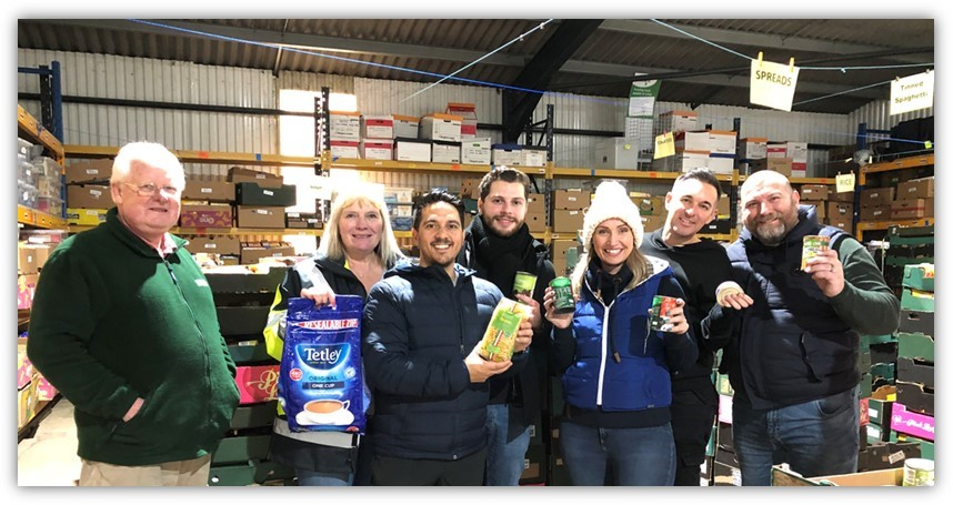 Last week a team from @STN_Airport volunteered at @Harlowfoodbank to sort through 6 pallets of donations - they were pleased to hear they completed 3 weeks' worth of work in one day! #teamwork #MondayMotivaton #RandomActOfKindnessDay @yourharlow