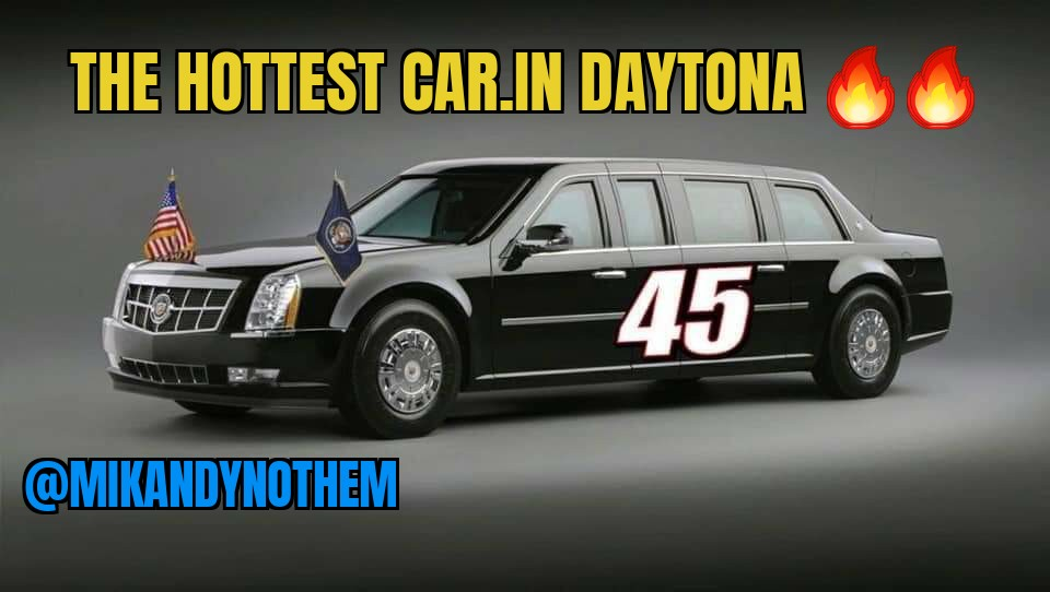 """THE hottest car in America Saturday was number 45 in all her glory at the #DAYTONA500  Well, maybe not but she was the first Presidential pace car in history and @realDonaldTrump even said """"Gentlemen, start your engines! Poor libs 🤣 #MAGA #FoxNews #MondayMotivaton #MondayMorning"""