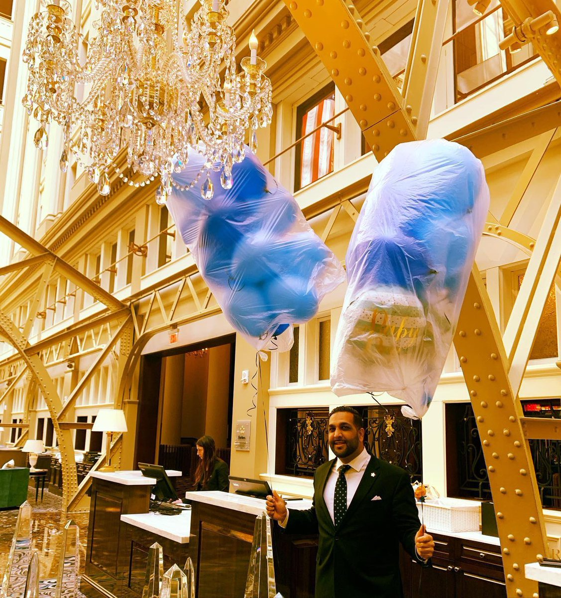 You have 30mns to find 20 balloons for a guest...Challenge accepted and mission accomplished by @ali_922 and our amazing @trumpwashingtondc Attache Team...#service #hotellife #success #neversettle #onlyfivestarhoteldowntowndc #doitbetterthananyoneelse #WashingtonDC #trump