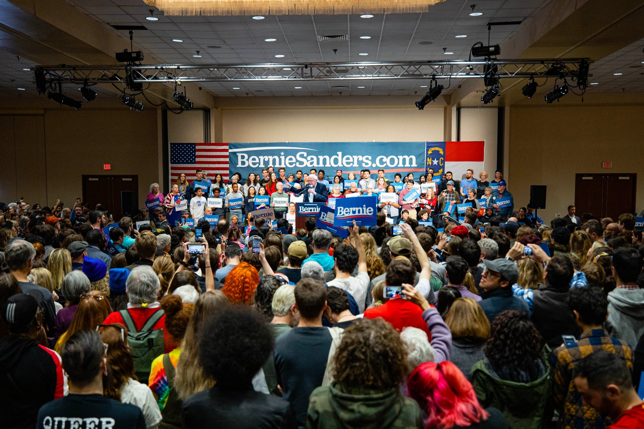 Yesterday, over 10,000 people joined us between Durham, Charlotte, and Mesquite. That's got to make the billionaire class and corporate elites of this country very, very nervous. Let's keep up the momentum! https://t.co/ITajCHg5Sp