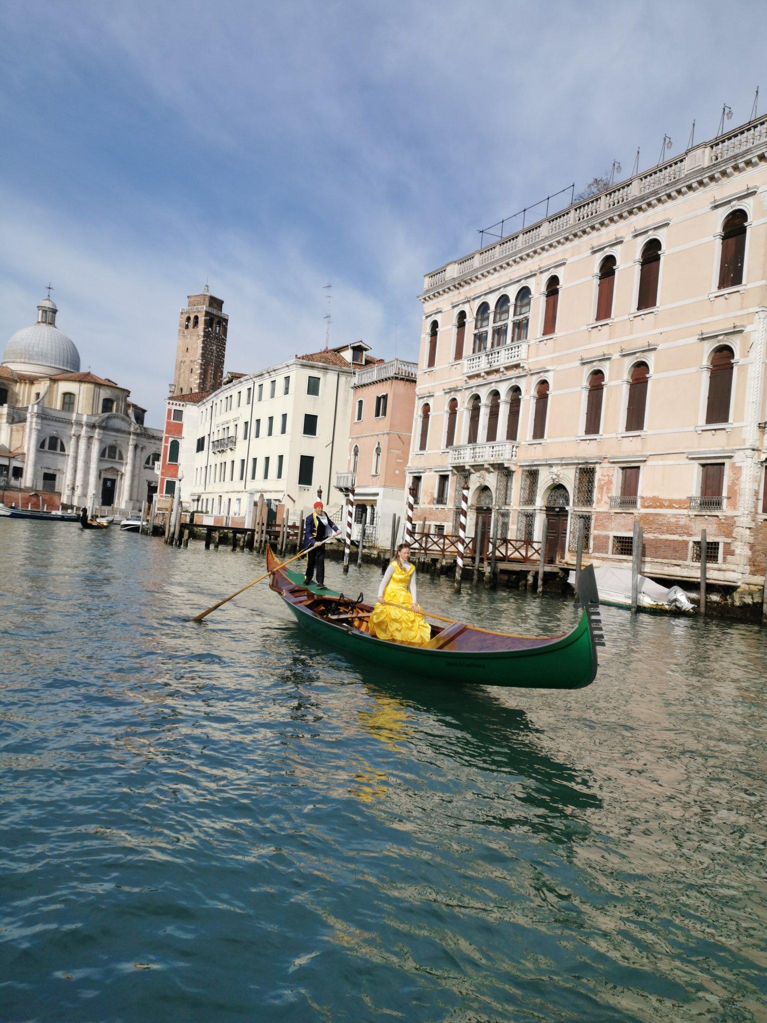A Venise pour le Carnaval...  #CarnevaleVenezia2020 #Venezia https://t.co/e65UMr0Bx2