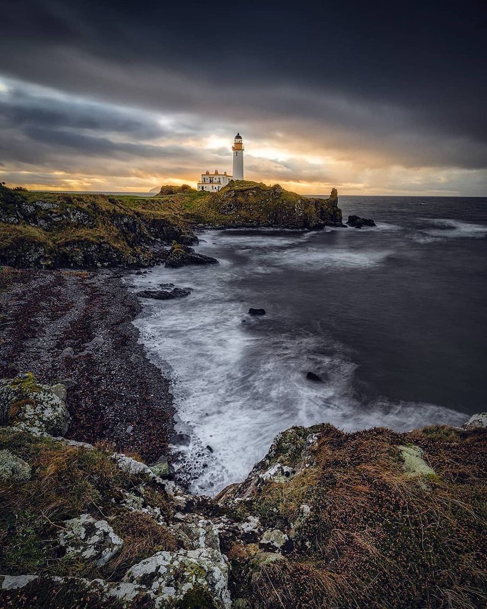 See what you are missing if you have not visited @TrumpTurnberry yet...One of the most spectacular suite in the world is located in the lighthouse...#Scotland #golf #lighthouse #oneofakind #success #NeverSettle #trump