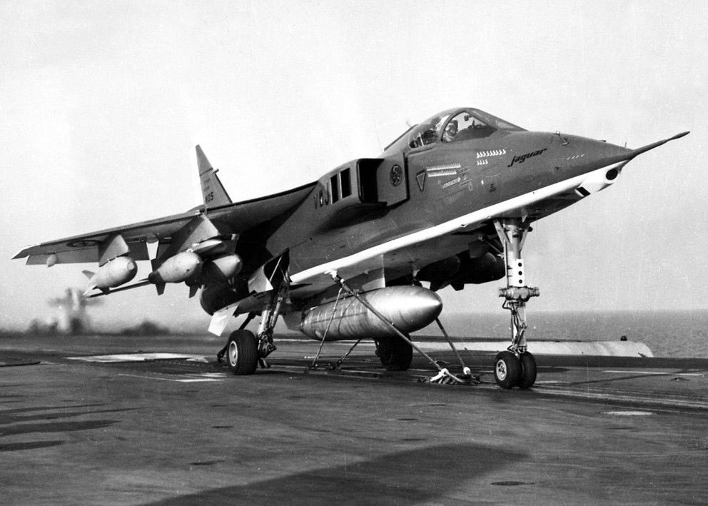 All of you voting in the best naval jets questions have forgotten this!!! yes it's a Jaguar with sea legs https://t.co/OzeD5TlQLs
