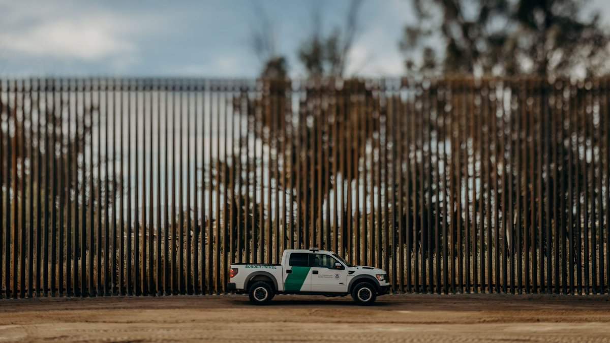 Calexico Station Border Patrol agents arrested a previously deported sex offender Wednesday night. Details via @CBPElCentro: