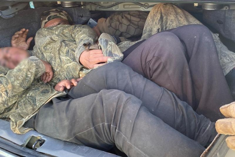 Tucson Sector Border Patrol agents disrupted a human smuggling attempt Thursday in which 4 individuals were packed into a vehicle's trunk, with a 5th person lying on the floor in the back seat. Via @CBPArizona: