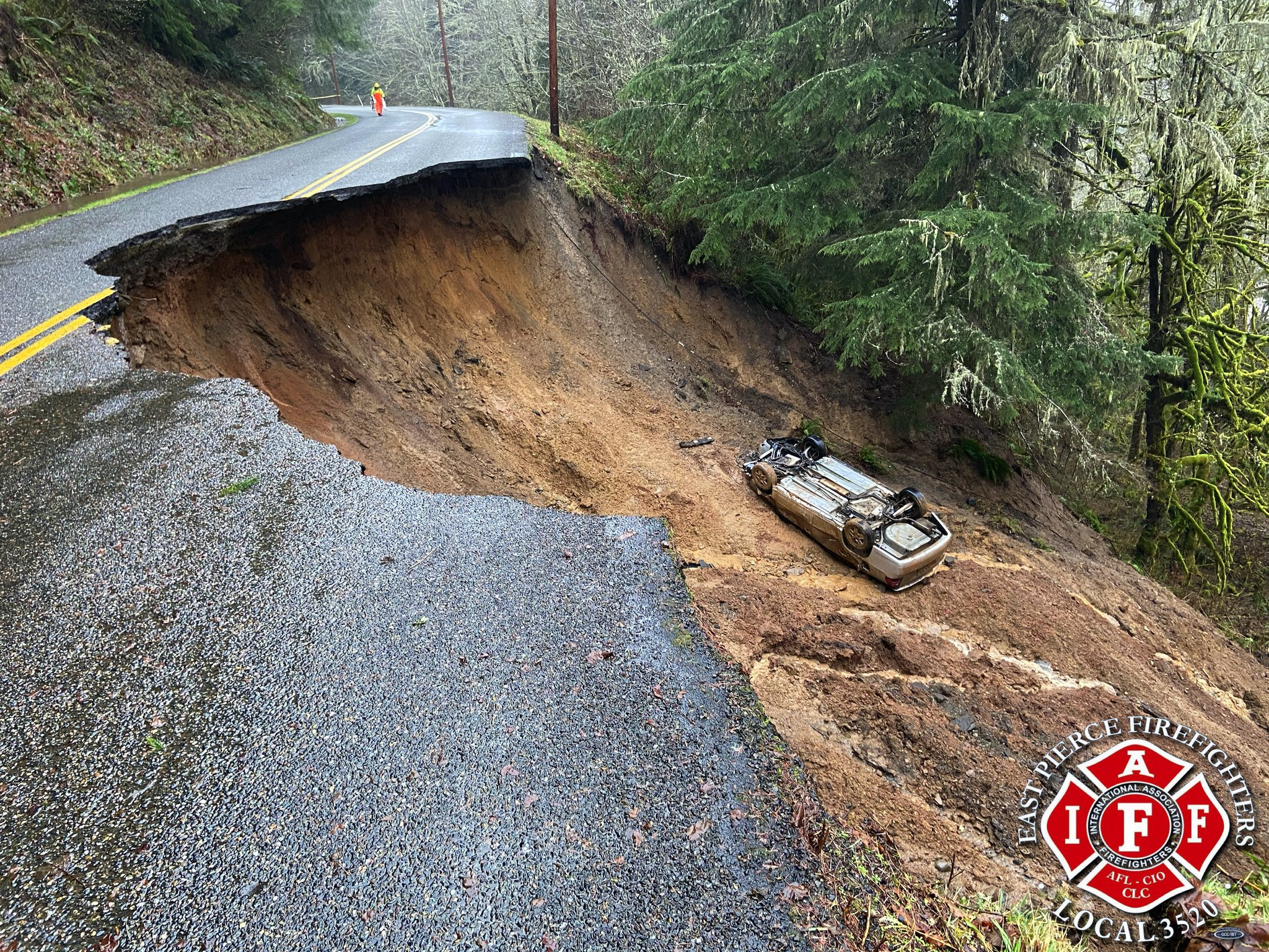 Photos from todays flood damage on SR162. Stay safe out there folks #IAFF #WaWx https://t.co/iU0OBwRsVF