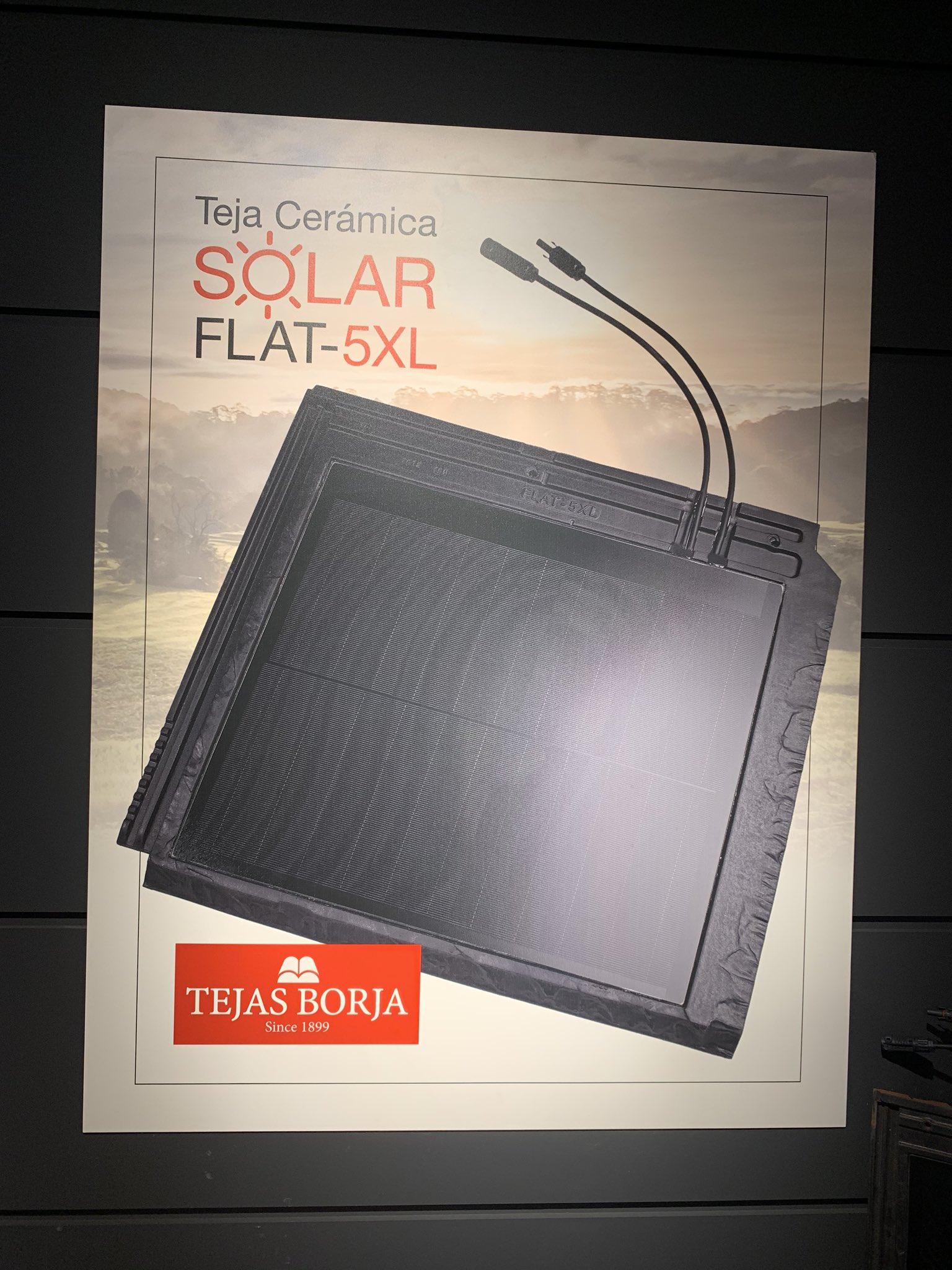 En la presentación de la primera teja solar española. Tu tejado generará la electricidad que tu casa necesite. Pronto en Todoconstruccion. Algún día todas las casas serán verdes @TejasBorja #Ecología #construccion #sostenibilidad https://t.co/mkYNNQV6m5
