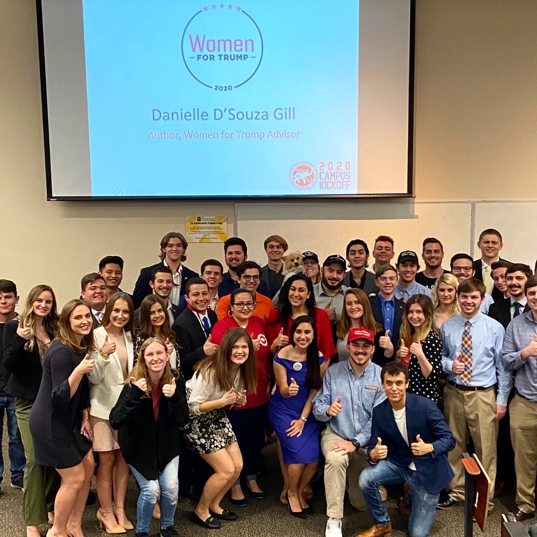 Amazing speaking to College Republicans in Florida today about my story of becoming an empowered conservative woman and the importance of speaking up on the college campus and fighting the left's attack on our culture and values. We are the future🐘🇺🇸@CRNC @GOP