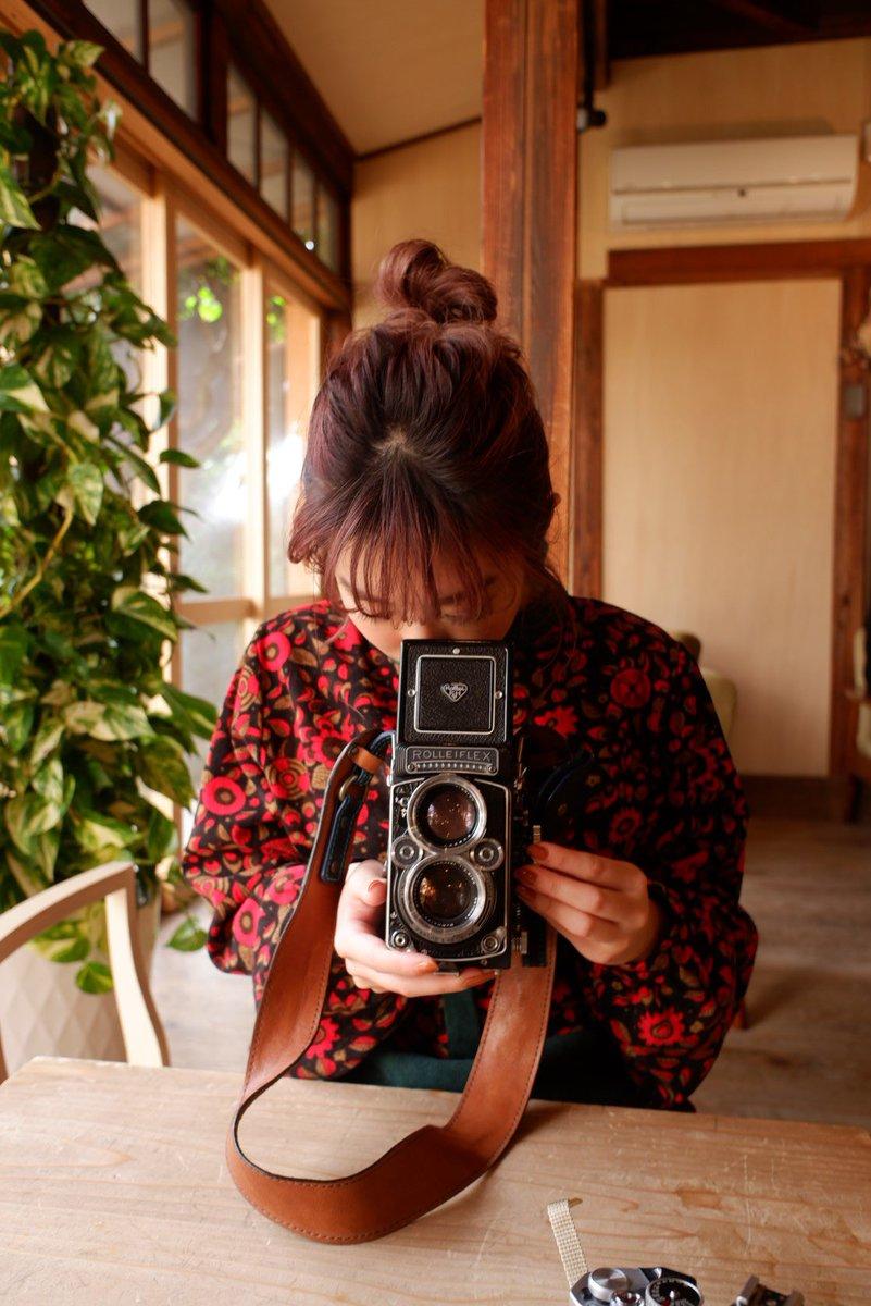 発売中のフォトテク2月号📷 FPLではフィルムカメラに挑戦✊  特別臨時親方として大村祐里子さんにお越しいただきました🥰 この撮影から職人はフィルムカメラにどっぷりハマって持ち歩いてます🦉 FPLでカメラの腕を磨いてくださっているみなさんもぜひフィルムカメラ沼へ…📷
