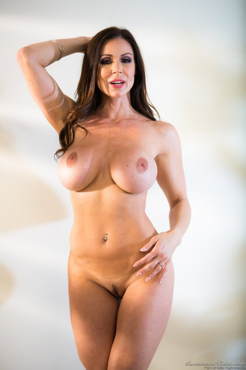 She is incredibly Hot Sexy & can be as Naughty as she wants to be with almost unmatched Lust!! @KendraLust #HottestMILF #MILFMonday #LustArmy XoXo enjoy! #MondayLust