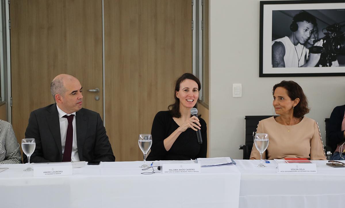 A diretora do Banco Mundial para o Brasil, Paloma Casero, e a equipe do @WBG_Education discutiram com o @GovernoDoCeara um estudo sobre políticas educacionais e apoio à juventude, além de possíveis parcerias na área. A vice-governadora do Ceará, Izolda Cela, participou da reunião