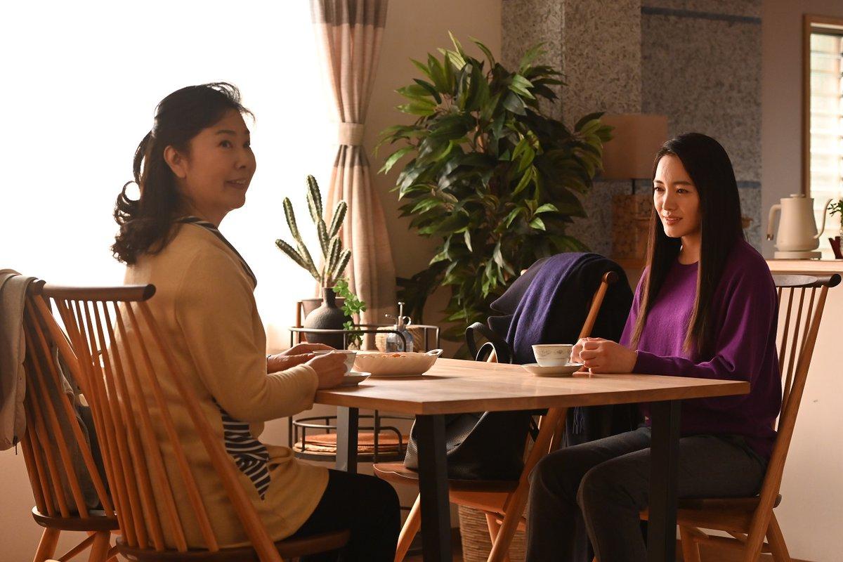 test ツイッターメディア - 今夜9時は『#10の秘密』第5話🗝️ 主人公・圭太(向井理)の母親を演じる名取裕子さんが見どころを語って下さいました😳💕 「(登場人物たちは)秘密を話しているけれど、本当かうそかがわかりません」と名取さんも困惑!?😲 詳しくはこちら😳  https://t.co/xrFlTmZUfo #カンテレ #ひみ10 https://t.co/ajPmyISrIp