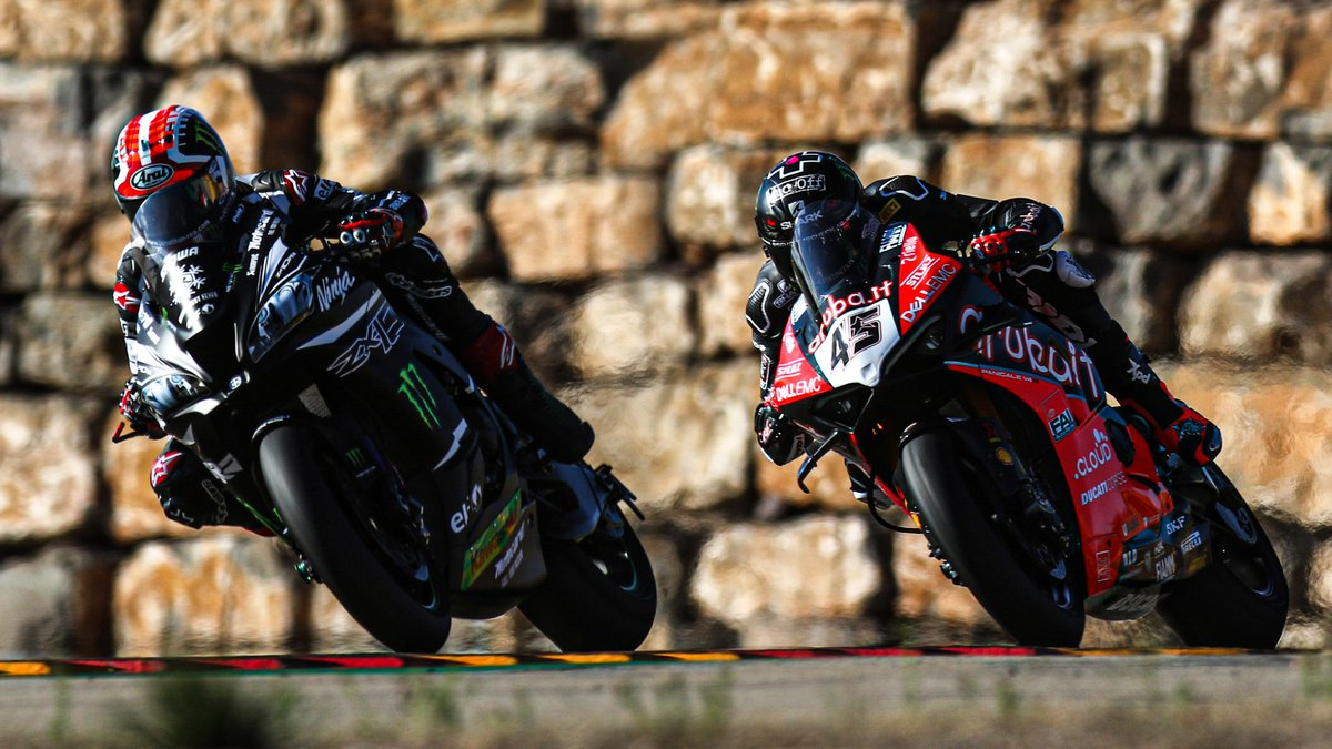 test Twitter Media - 🔥@jonathanrea vs @Reddingpower : a rivalry set to ignite from the off…⚔️  Mutual respect between the heavyweights in 2020, Jonathan Rea and Scott Redding share the same target: who will it be come the end of the year?  📃 | #WorldSBK https://t.co/ykLvE9s28U https://t.co/KjR2YJlFDo