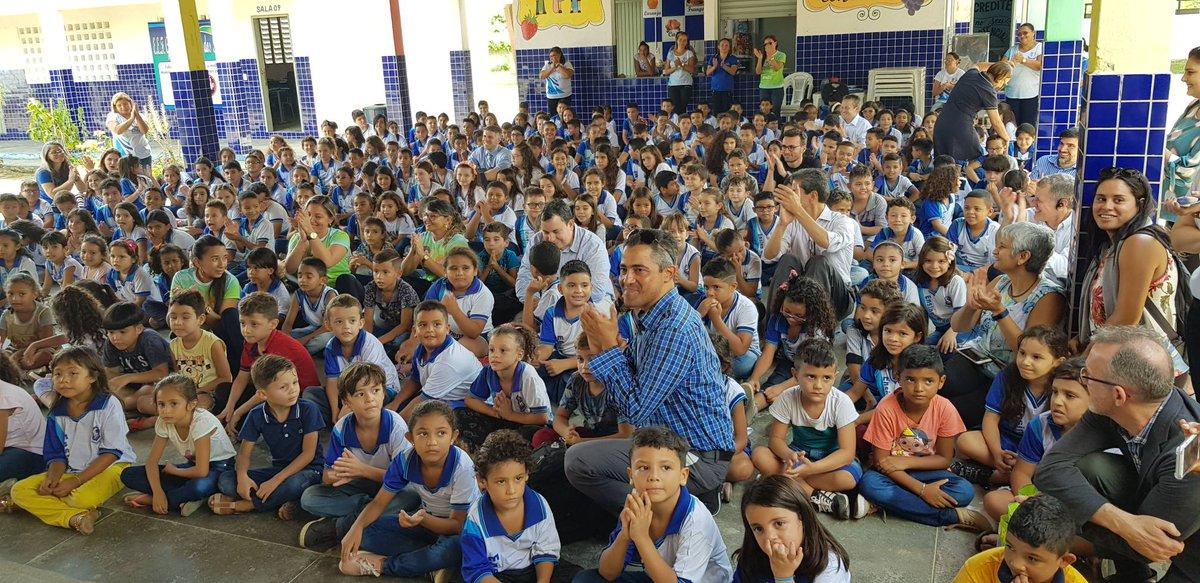 A cada vez que visitam uma escola, nossos especialistas em educação voltam à infância! Nesta semana, eles estão no Ceará para ouvir as histórias de sucesso das escolas municipais. 📚👩🏽🏫👨🏫