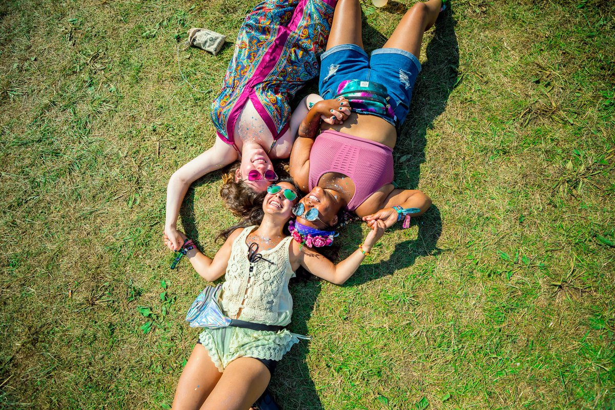 It's National Make A Friend Day! Festival friends hold a special place in our heart.. have you made important friendships at Firefly?