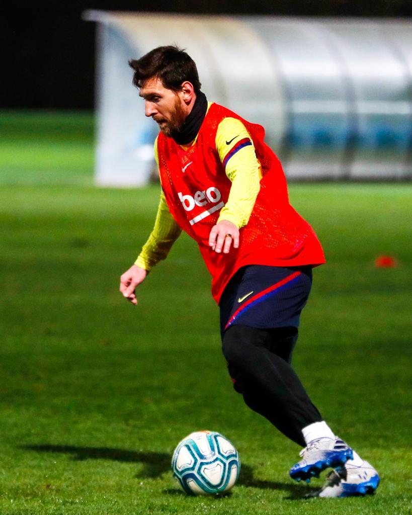 RT @FCBarcelona_cat: 👑 Leo #Messi 🐐 https://t.co/Ii8r0SprlY