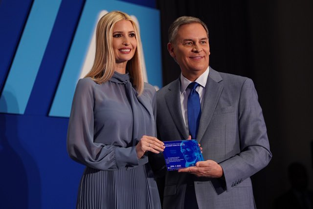 """Absolutely honored to receive the National Assoc. of Manufacturers' inaugural """"Alexander Hamilton Award"""" for my efforts on job training & workforce development.   Thank you for recognizing the Trump Admin's dedication to our Nation's 13M manufacturers!  #PledgetoAmericasWorkers"""
