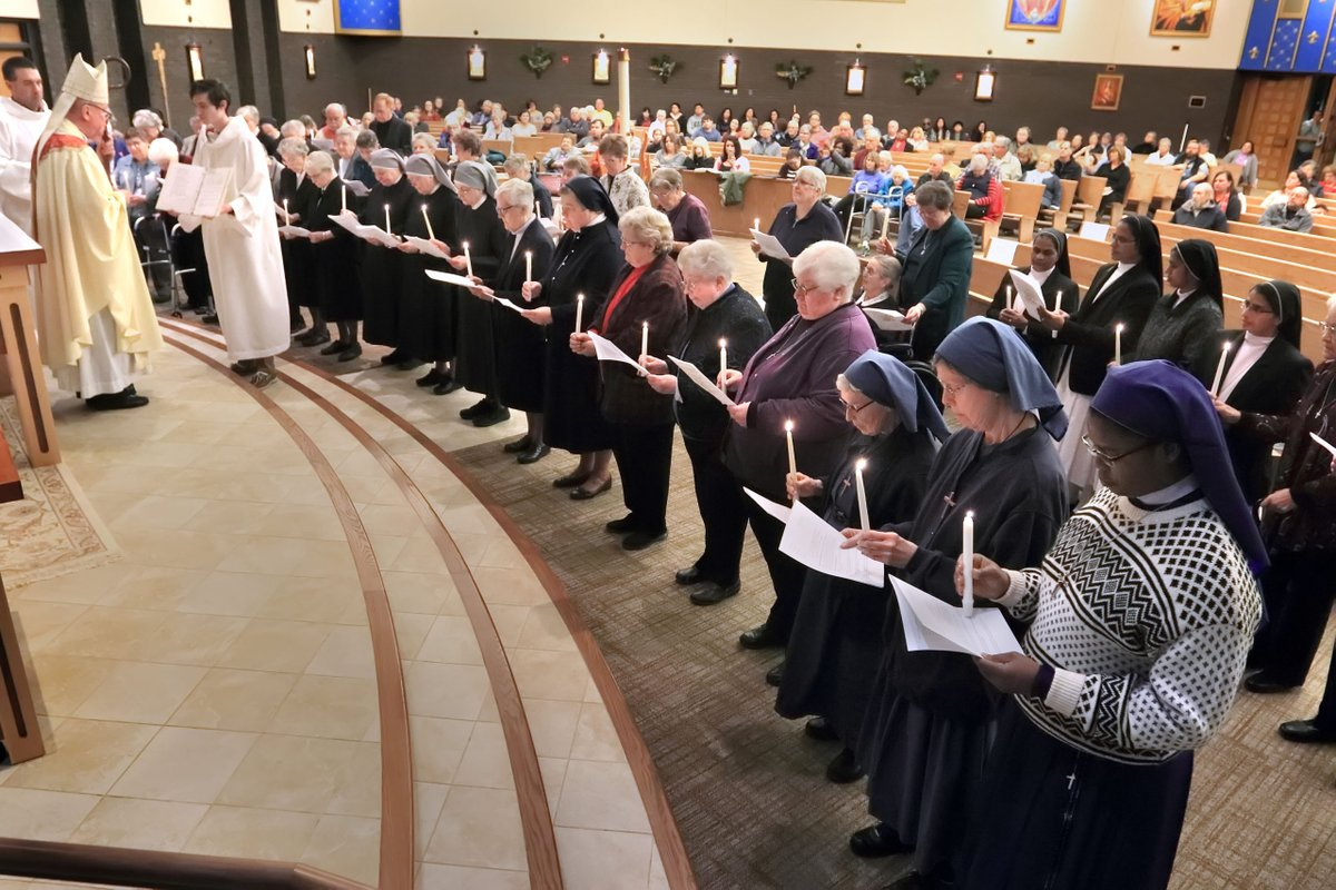 Last week, we celebrated #WorldDayforConsecratedLife. In Newark, Delaware, Bishop Malooly joined men and women religious, including our very own S. Barbara Ann Kolonoski for a Mass to celebrate. Read the full story: