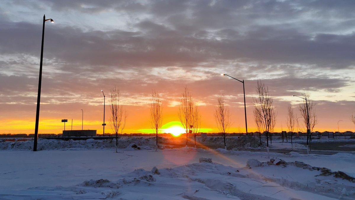 test Twitter Media - Sunrise from Bridgwater. Stay warm folks. https://t.co/I3jScjBSOP