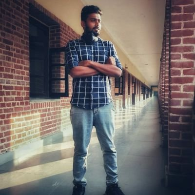 Here is the man behind #Kuttystory lyric video. The name is @filmmaker_logi . He is associate director of @Dir_Lokesh . Terrific work man🔥🔥👌😊. #MasterSingle . Hereafter you can also ask him for update. RIP Logi😂