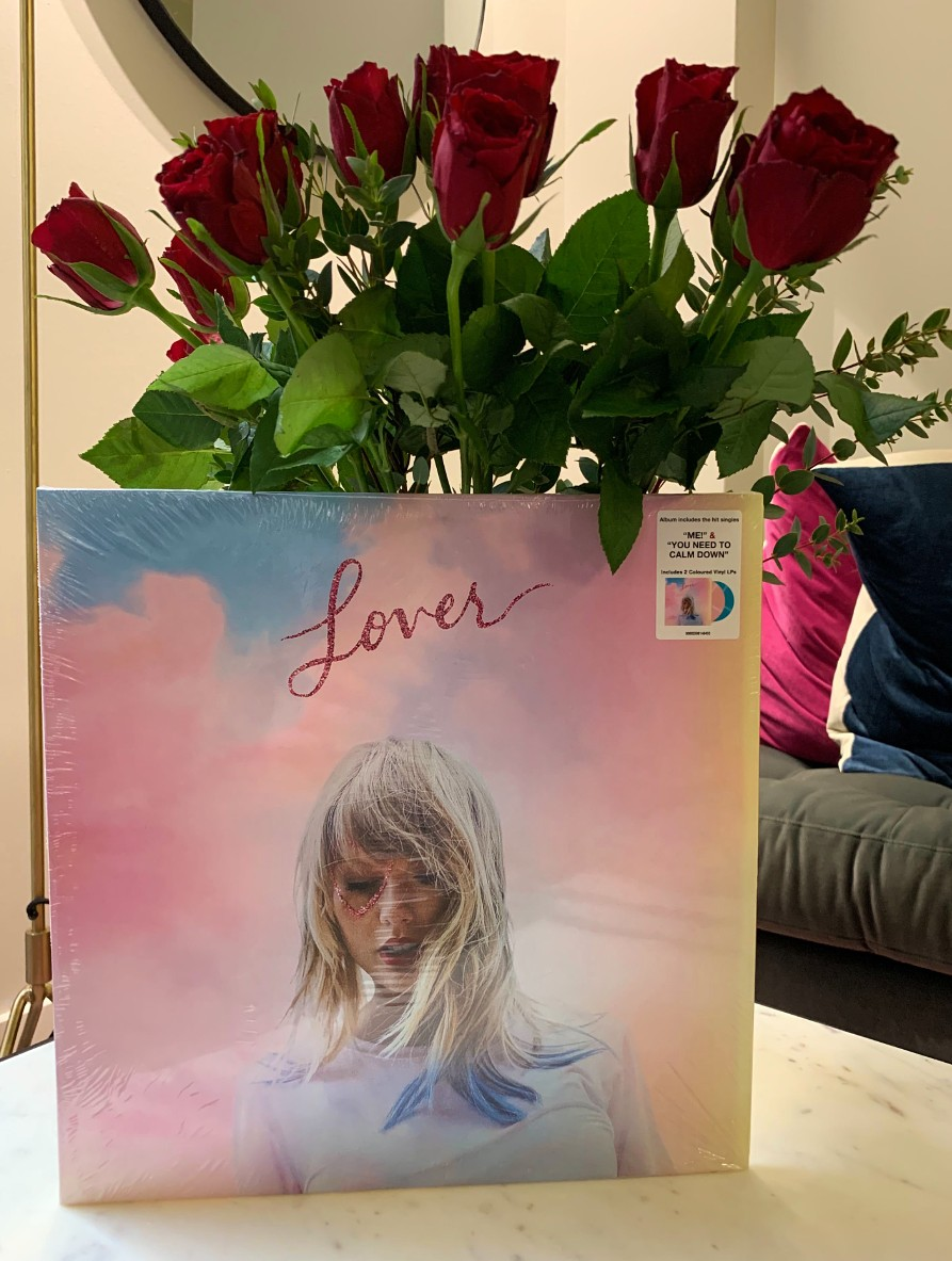 Happy #ValentinesDay ! This one's for all the Lovers out there...🥰  We've got one Taylor Swift 'Lover' vinyl in need of a home. Simply RT to be in with a chance of calling it yours. Cupid will pick one lucky winner on Monday 💘