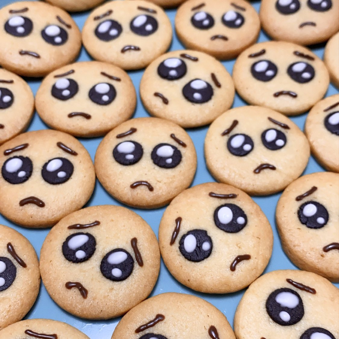 ぴえんクッキー作った🥺