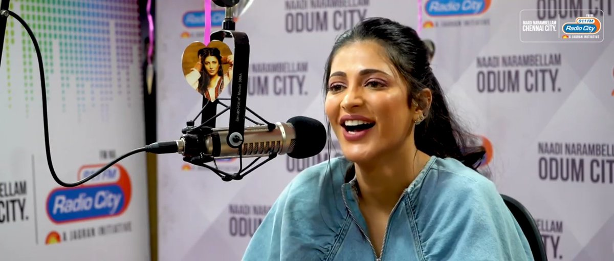 Rapid fire round with Shruti on #withloveshruti at @radiocityindia lovely questions.. so honest and beautifully answered by Shruti! Her best friends' surprise calls are the best ❤ love to see her laughing , such a cutie pie she is
