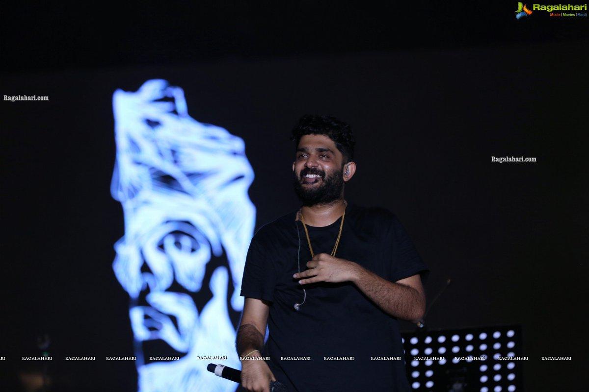 Sid Sriram Live In Concert presented by My Music My Country at Gachibowli Stadium  #SidSriram #SidSriramLiveInConcert #MyMusicMyCountry #RagalahariEvents @sidsriram