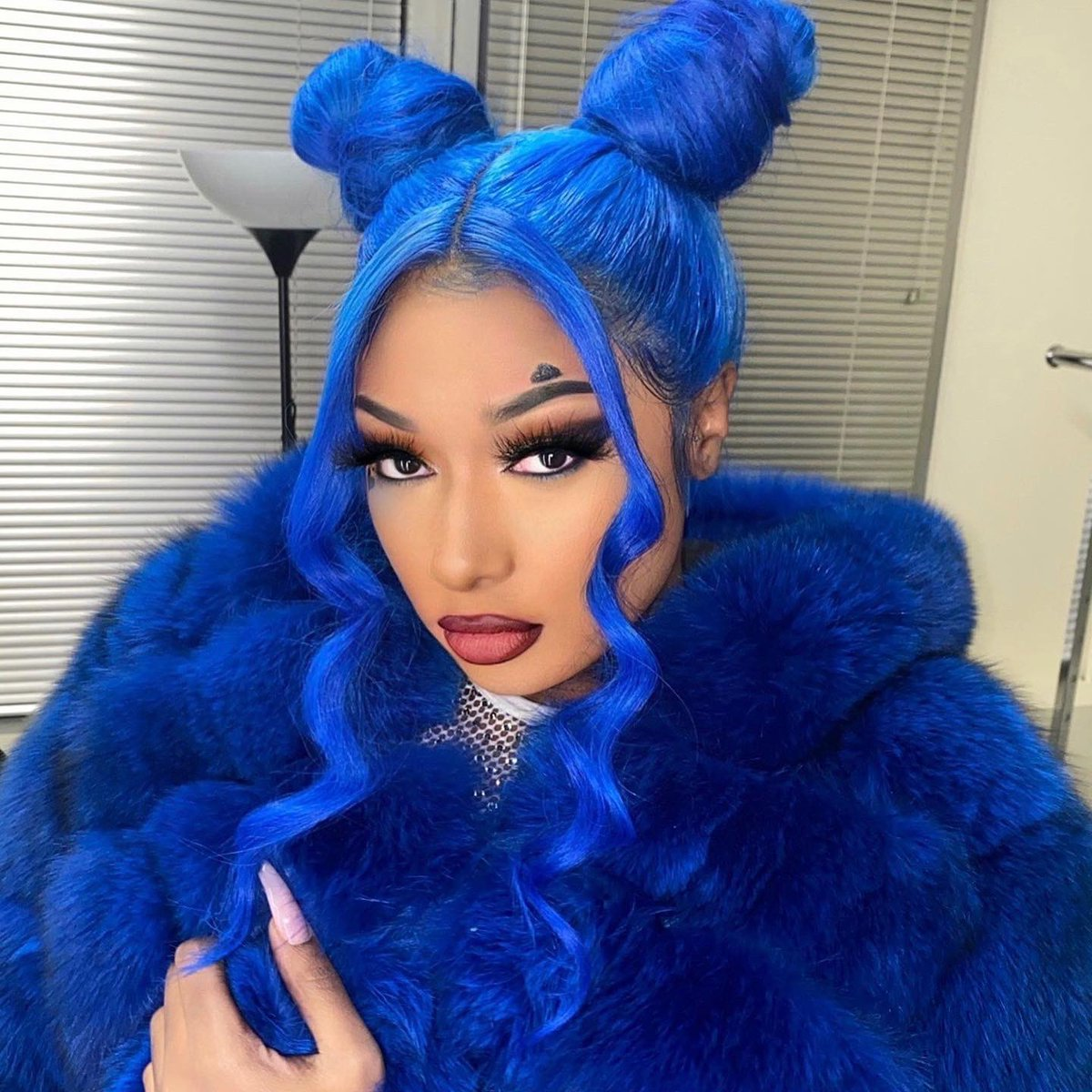 IT'S A REAL BITCH HOLIDAY 💙💙💙💙 2/15 HAPPY BIRTHDAY TO ME