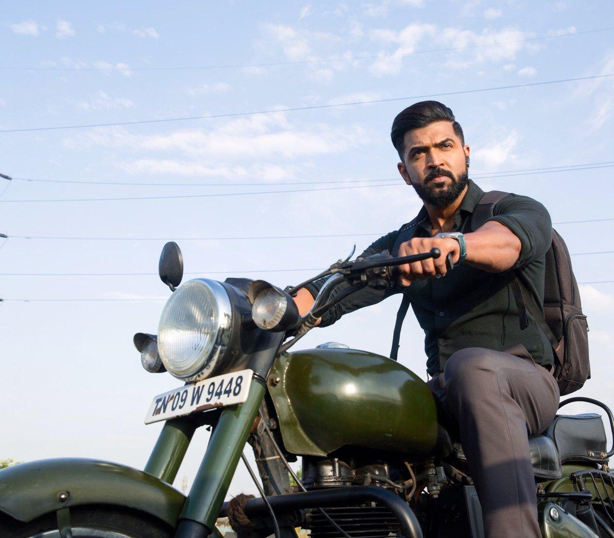 #MafiaFromFeb21st 💥🤞 @karthicknaren_M @LycaProductions @Prasanna_actor @priya_Bshankar @Lyricist_Vivek @JxBe