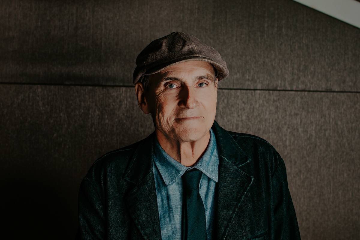 Who is enjoying our iHeartRadio ICONS show with the legendary @JamesTaylor_com? 🌟   Let us know which other songs you want to hear with #iHeartJamesTaylor! 🎶  Tune in: