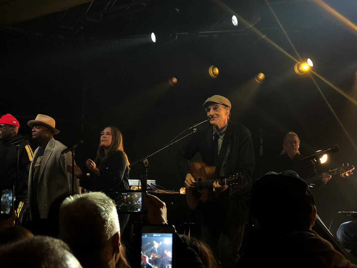 """""""Oh, Mexico It sounds so sweet with the sun sinking low The moon's so bright like to light up the night Make everything all right""""  #iHeartJamesTaylor 🎸 @JamesTaylor_com"""