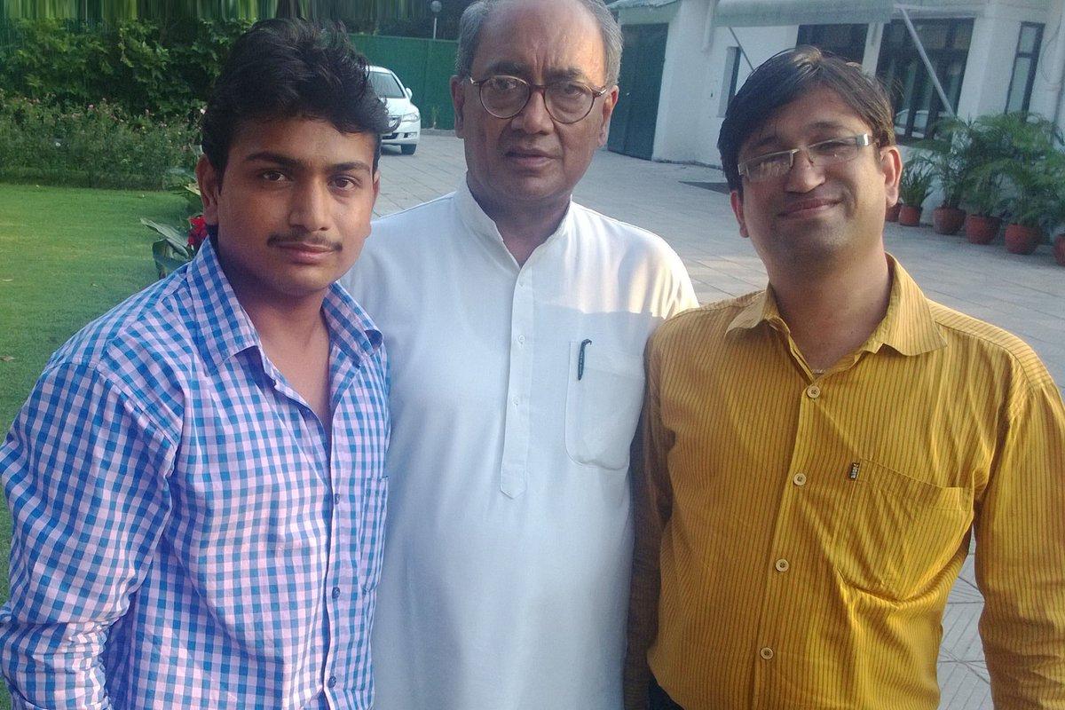 जनप्रिय नेता, पूर्व मुख्यमंत्री, राज्यसभा सांसद मा. राजा साहब @digvijaya_28 जी को जन्मदिन की हार्दिक-हार्दिक बधाई।  #Congress #DigvijaySingh  #HappyBirthdayDigvijaySingh  #MadhyaPradesh @Kundra_Vishal