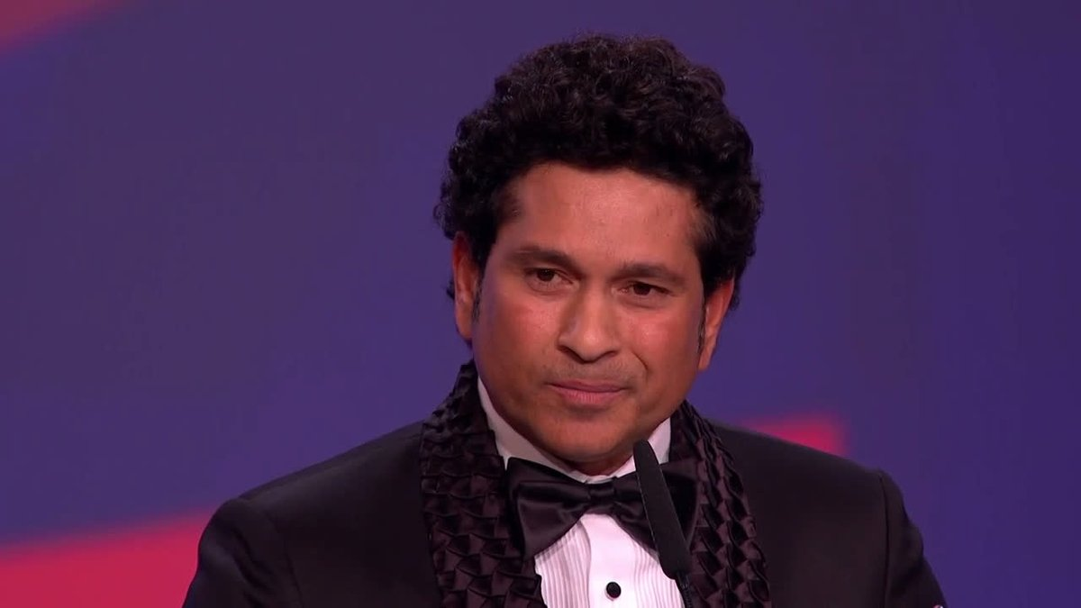 """""""This is a reminder of how powerful sport is and what magic it does to all of our lives.""""  A God for a nation. An inspiration worldwide.   And an incredible speech from the Laureus Sporting Moment 2000 - 2020 winner, the great @sachin_rt 🇮🇳  #Laureus20 #SportUnitesUs"""
