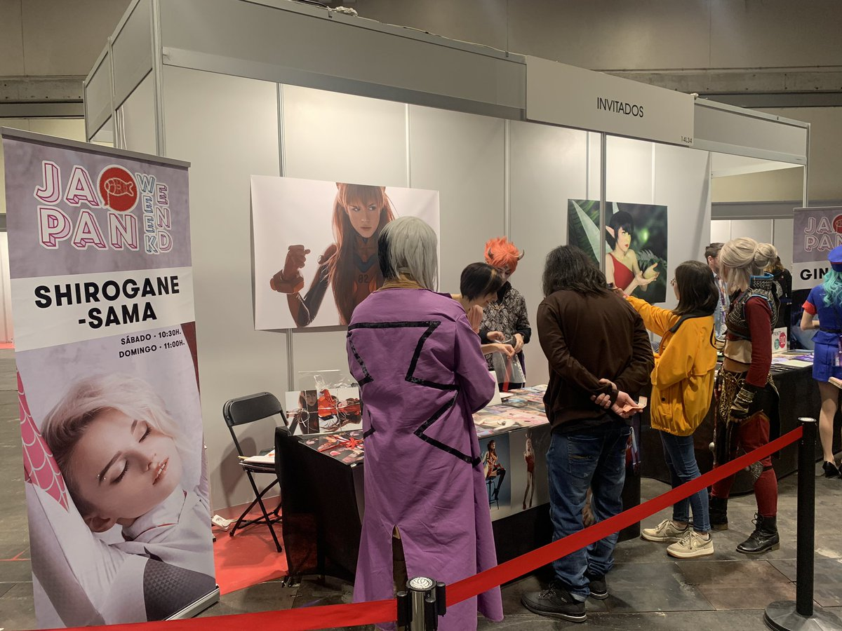 Mis compras en el stand de firmas de Shirogane-Sama en la @Japan_Weekend 🙇♂️😄.  @sama_shirogane My attention is me call to evangelion cosplay costume. Thank your for answering my questions and coming to Spain 🇪🇸 Madrid (IFEMA) 😇😊.  #JapanWeekendMadrid