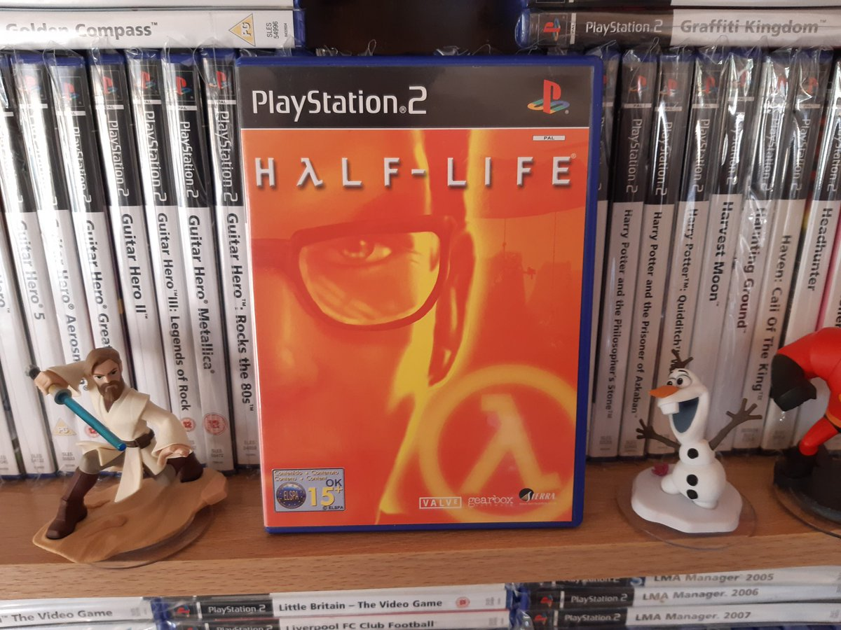 I first discovered Half Life on the good old PS2 and it holds up pretty well compared to the PC version. Well worth giving Gordon another runout of you haven't tried it 👍 #PS2sDay