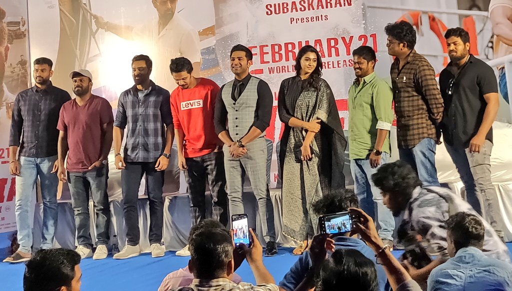 Such a lovely team!😍 #MAFIA In love with their Unity & the love and care they have for each other💛❤🤗 #MafiaPressMeet 📸 #MAFIAFromFeb21 💥 @arunvijayno1 🦁 @Prasanna_actor 🦊 @karthicknaren_M 🎬 @priya_Bshankar 💃 @Lyricist_Vivek ✍ @JxBe 🎹 @LycaProductions 💰 @ManiUdis2010