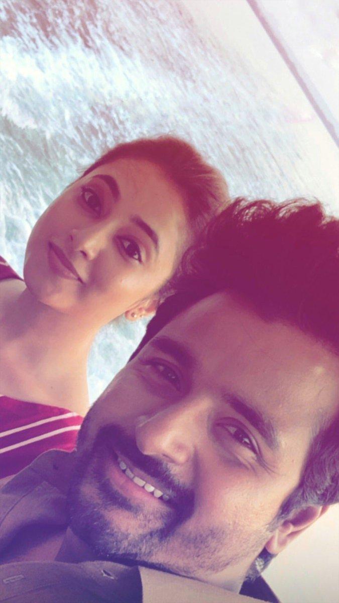A Selfie 🤳 of @Siva_Kartikeyan & @PriyankaArulmoh !!