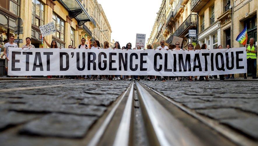J'invite à être attentif aux promesses pour #Rennes. La clef tient pour nous dans l'application du voeu décrétant l'état d'urgence climatique. Les candidat.e.s @RennesEnCommun s'engagent concrètement sur cet enjeu déterminant. #Climat