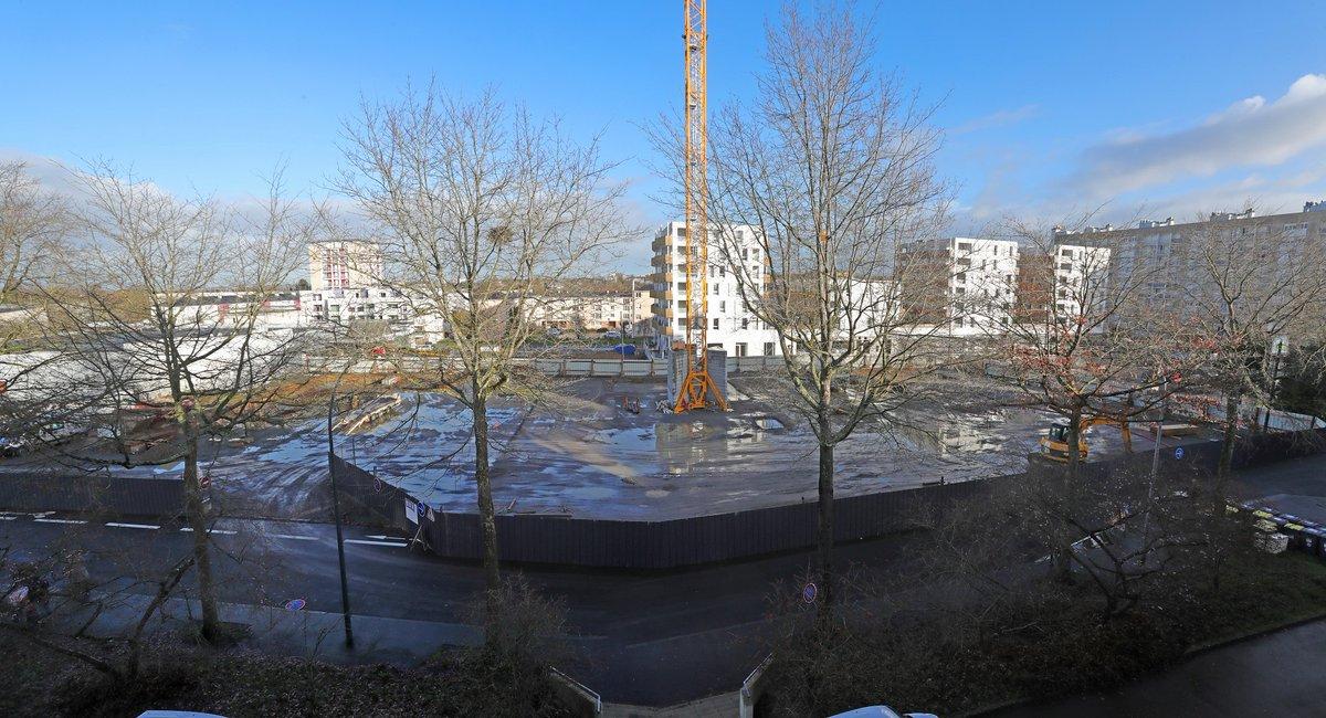 Des travaux sont actuellement en cours, côté Les Gayeulles à Maurepas, pour réaliser la place Lucie et Raymond Aubrac, le futur centre commercial du Gast et les abords de la station Les Gayeulles de la ligne b du métro. #Rennes En savoir + sur #IciRennes👉