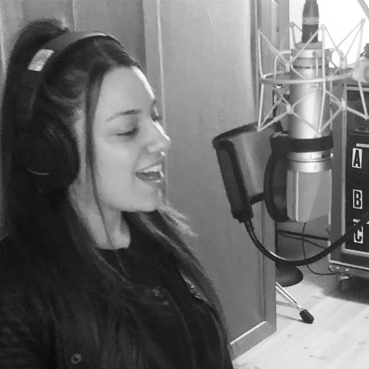 test Twitter Media - Vocal Session With The Awesome @melissacartermusic Check Her Out & Catch A Show... Great Singer, Great Songs! Happy To Play Drums On Her Record. #singersongwriter #recordingartist #recordingstudio @dwdrums @paistecymbals @vicfirth #melissagottliebmusic https://t.co/xqe0VAyEUr