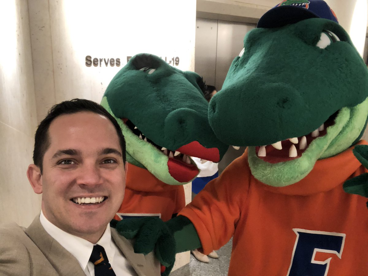 RT @AnthonySabatini: Best day of the year in Tally #GatorDay https://t.co/uJYxAL7voU