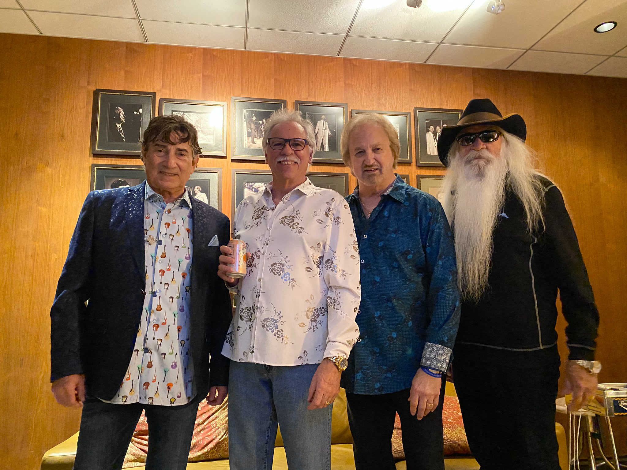 Backstage at @opry ... photos  by @sabrinacarver14 and @LNS89 https://t.co/W8Vm1ipkmA