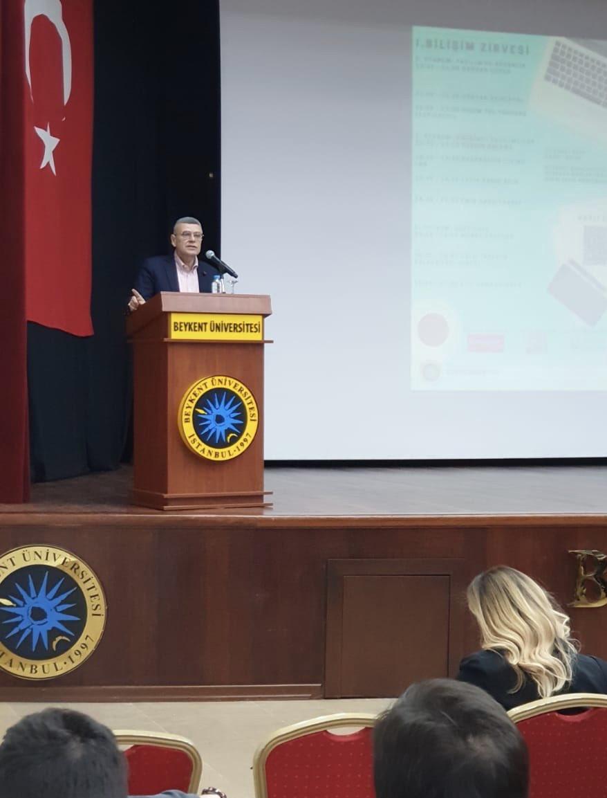 RT @profmuratferman: Yazılım Mühendisliği Kulübü'müzün Düzenlediği I.BİLİŞİM ZİRVESİ Başladı.. https://t.co/qwaHhy8jIF