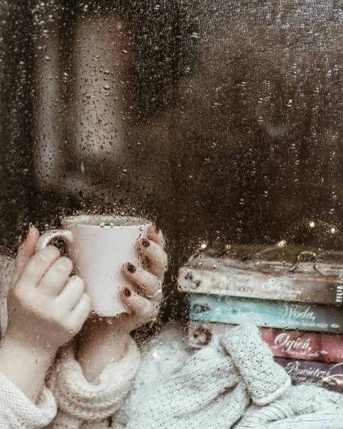 💌🍃  ثمّة أشخاص لم يكتفُوا بِـ أن يكُونوا سطورًا جميلهَ في دفتر حياتِنا ؛  بلْ أرادوا كذلِك أن يُشكِلوا جُزءًا من العِنوان..🌸💛  #صباحكم_سعاده