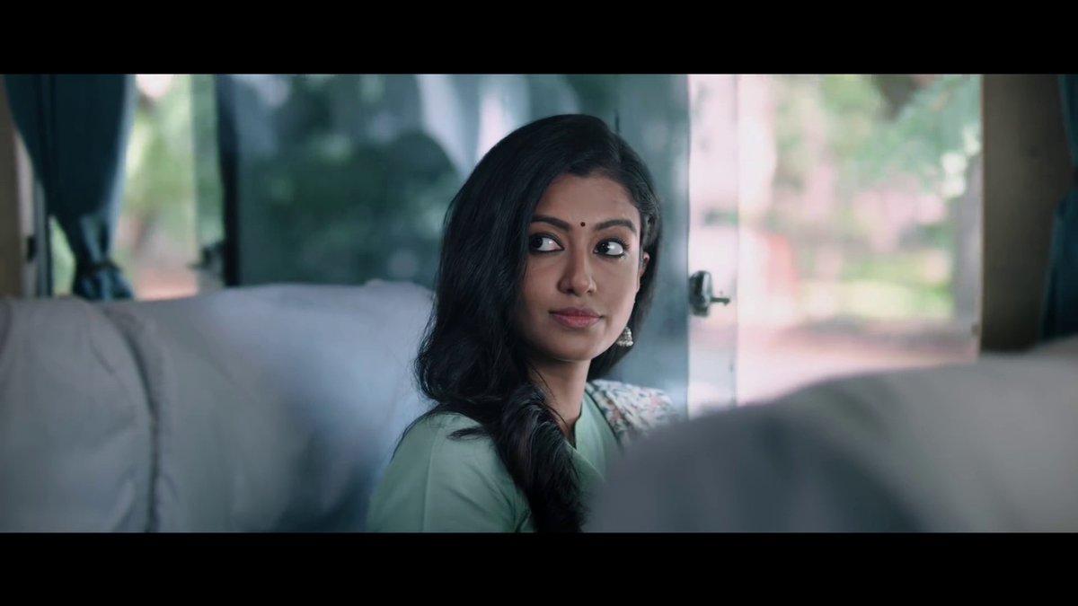ஹே! காதல் சொல்லும் நேரம் நெருங்கி விட்டதே..  நெருங்கி விட்டதே..  Catch the Official Music Video of #KadhalSollumNeram; starring  @Maathevan & #RoshniHaripriyan in lead; Composed & Performed by  #KirthanaG 🎵  ▶️   @nelsonvenkat @gokulbenoy @editorsabu