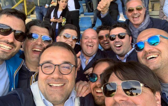 test Twitter Media - #PoliticaLavoro #Castellammare - Multa alla Juve Stabia, il sindaco: «Ero allo stadio, nessun coro contro gli arbitri» LEGGI LA NEWS: https://t.co/87QQVdyFCZ https://t.co/NaInqi64i4